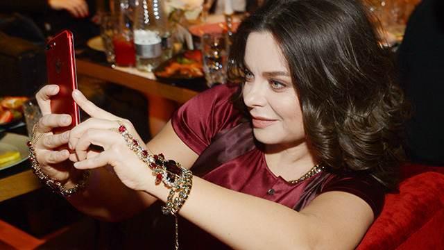 Мэрия Чебоксар заплатит за минувший концерт Королевой 1,5 млн избюджета