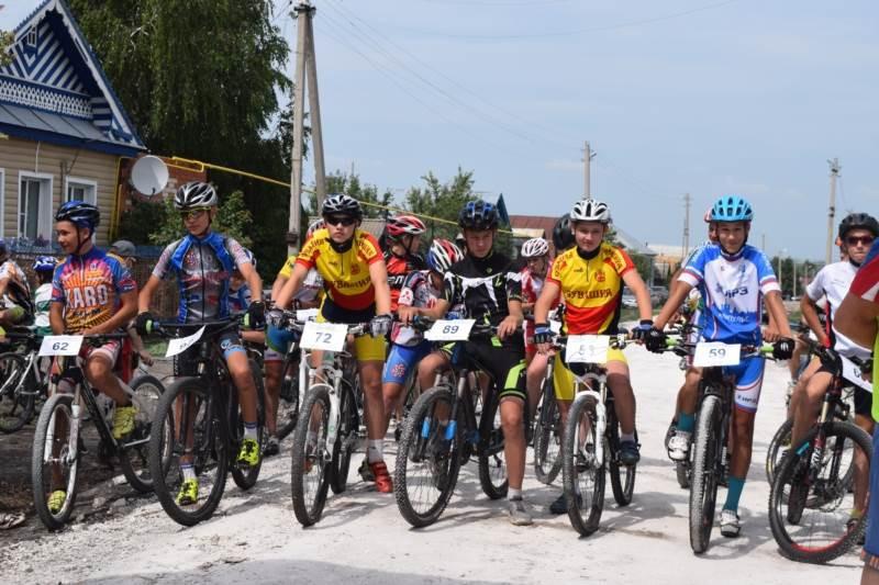 ВСтаврополе велоспортсмены гоняли полесному урочищу
