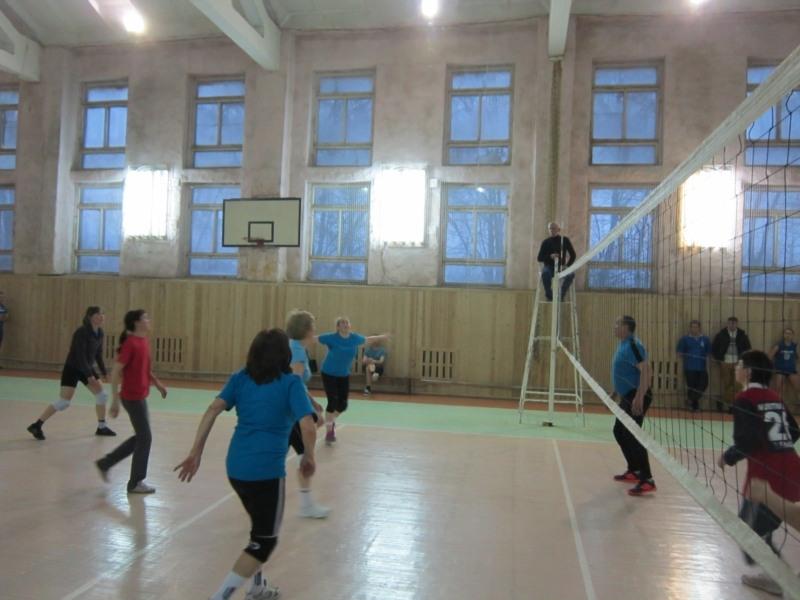 В Чебоксарах завершилось первенство Калининского района по волейболу среди