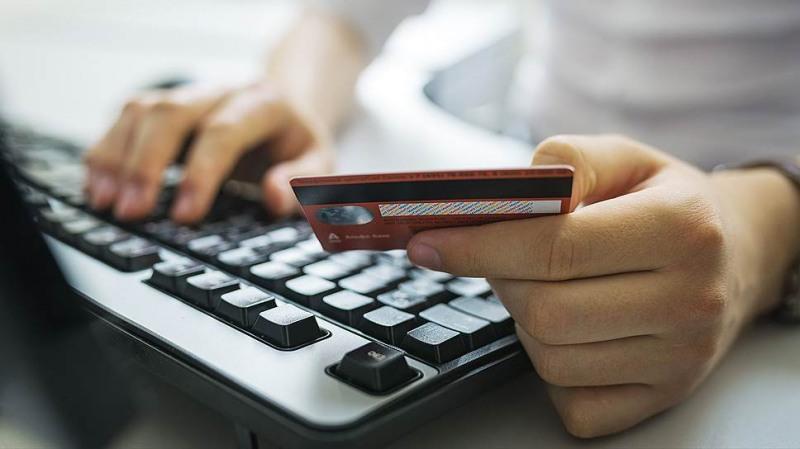 Житель Оленегорска пытался купить у интернет-мошенников «Ланд Крузер»