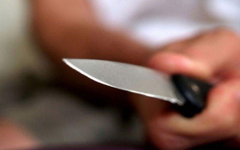 Гражданин Чувашии порезал супругу итещу, а после этого пытался уничтожить себя