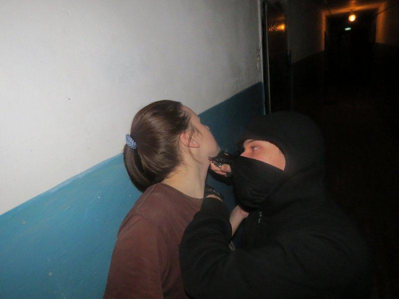 ВЧебоксарах мужчина изнасиловал 26-летнюю девушку, спасшую его отсмерти