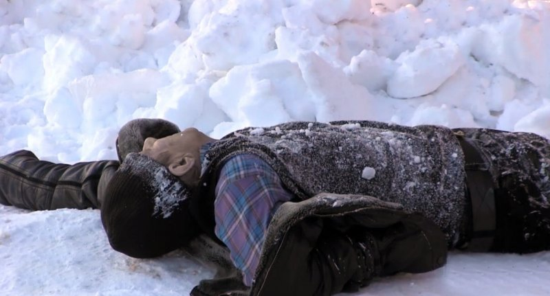 НаМарпосадском шоссе около автопарковки найдено тело замерзшего насмерть жителя города