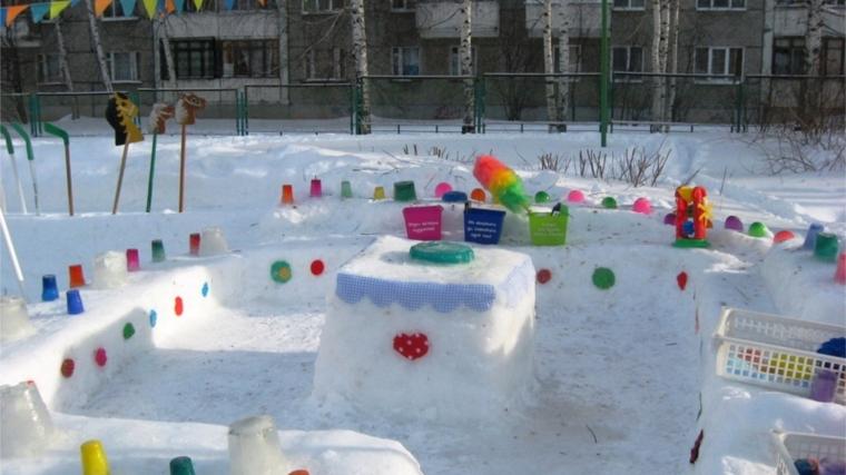 Зимнее оформление участка детского сада зимой