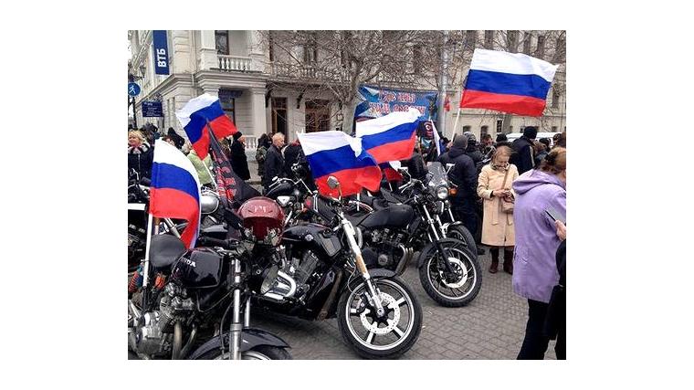 Байкеры клуба «Дикая дивизия» вДагестане поддержали акцию «Волна памяти»