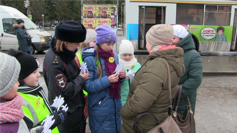 Вцентре Новосибирска прошла необыкновенная акция впамять ожертвах ДТП