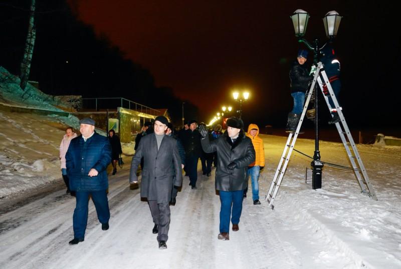 Алексей Ладыков проверил подготовку Чебоксар к встрече Нового года