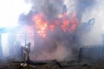В поселке Ибреси от огня пожара спасены два дома