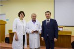 Работникам здравоохранения вручены юбилейные медали