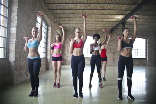 Спортсменкам отделения фитнес-аэробики СШ №10 присвоены спортивные разряды
